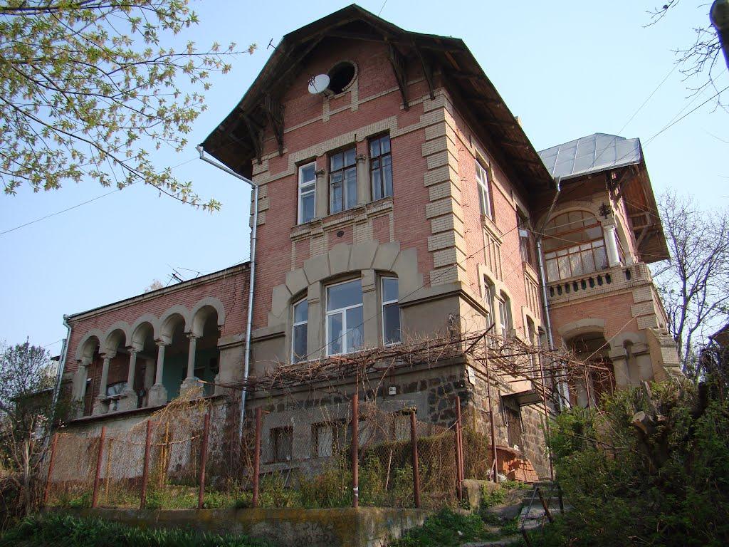 EM30N UR4NWW Dacha Maika Castle